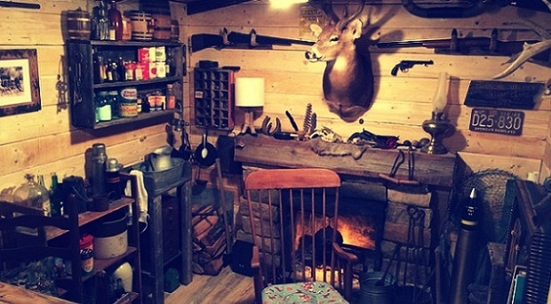 this-guy-built-a-rustic-cabin-man-cave-for-107-dollars-13